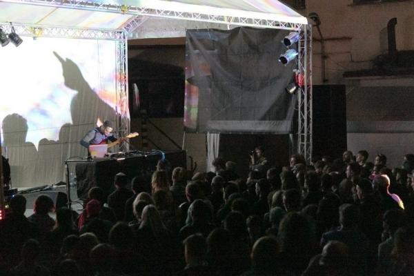 Mezinárodní hudební festival Creepy Teepee 2015