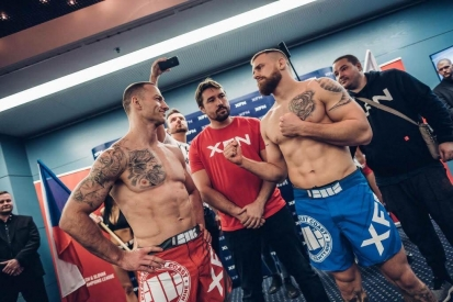 Veřejné vážení zápasníků XFN