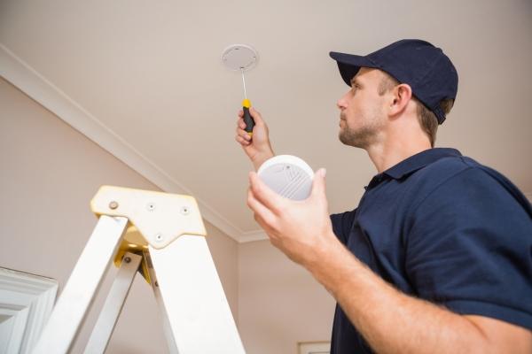 Montáž EPS (instalace elektronické požární signalizace)